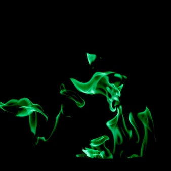 Wirbelnde grüne flamme