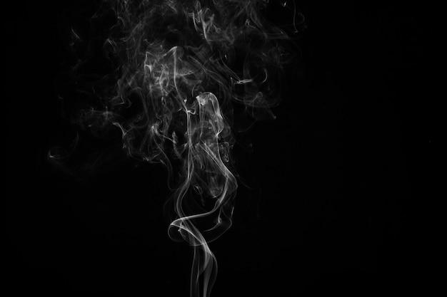 Wisp aus weißem rauch