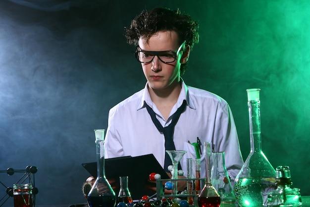 Wissenschaftliches chemisches experiment