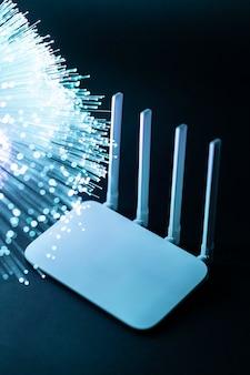 Wlan-router mit blauer glasfaser