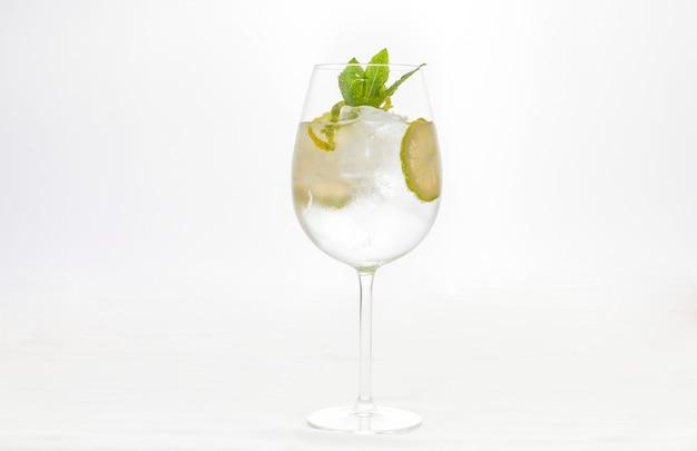 Wodka rum vidrio brennerei cocktail