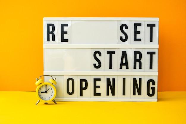 Wörter zurücksetzen, neu starten und text auf dem leuchtkasten wieder öffnen