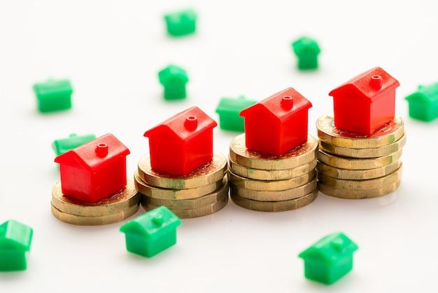 Wohnsiedlung mit münzen
