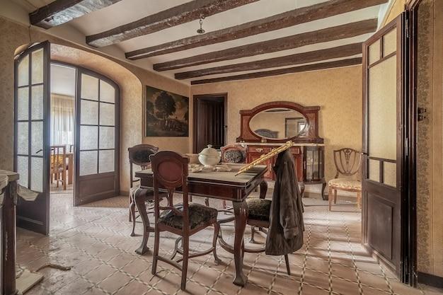 Wohnzimmer eines klassischen hauses