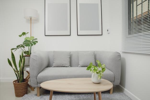Wohnzimmer mit minimalistischem stil