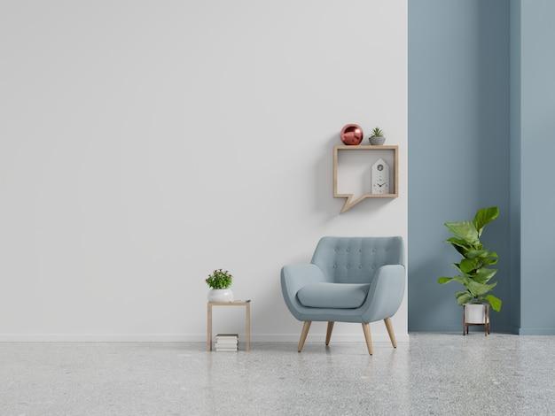 Wohnzimmerinnenwandmodell mit blauem lehnsessel auf leerem weißem wandhintergrund.