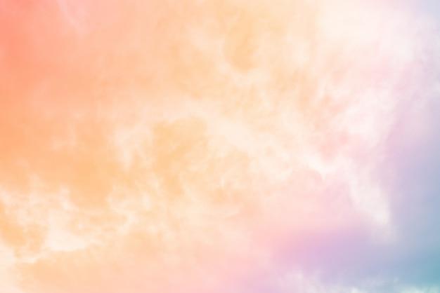 Wolkenhintergrund mit einer pastellfarbe Premium Fotos