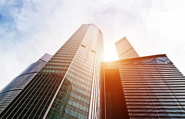Wolkenkratzer der stadt moskau, moderne bürogebäude im geschäftszentrum der innenstadt