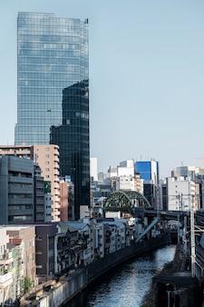 Wolkenkratzer der stadtlandschaft japan