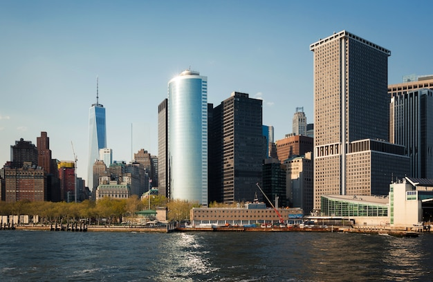 Wolkenkratzer und gebäude in manhattan. architektur in manhattan und new york city