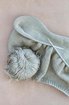 Wollfaden aus der nähe stricken