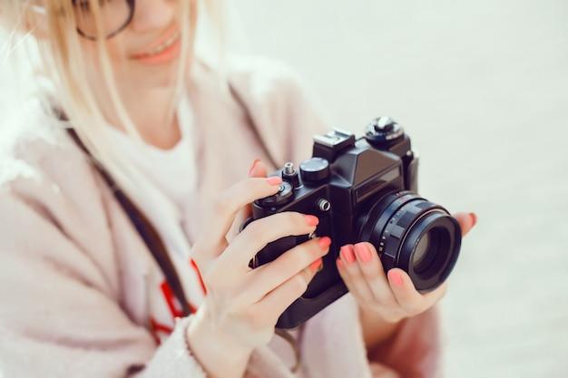 Woma-porträt mit kamera