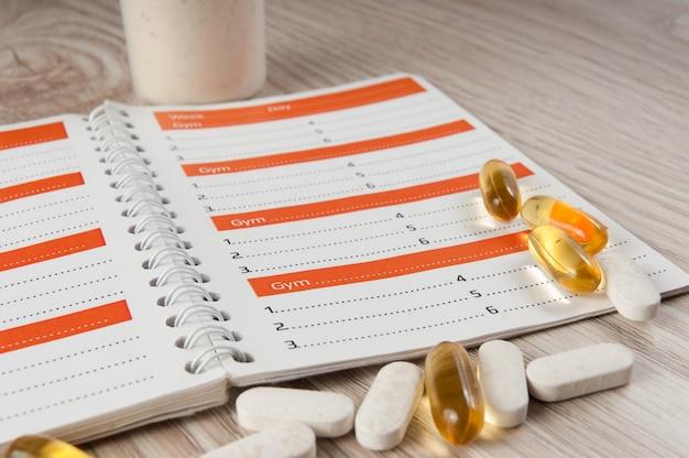 Workout- und fitnesstrainingstagebuch zur aufzeichnung der ergebnisse.