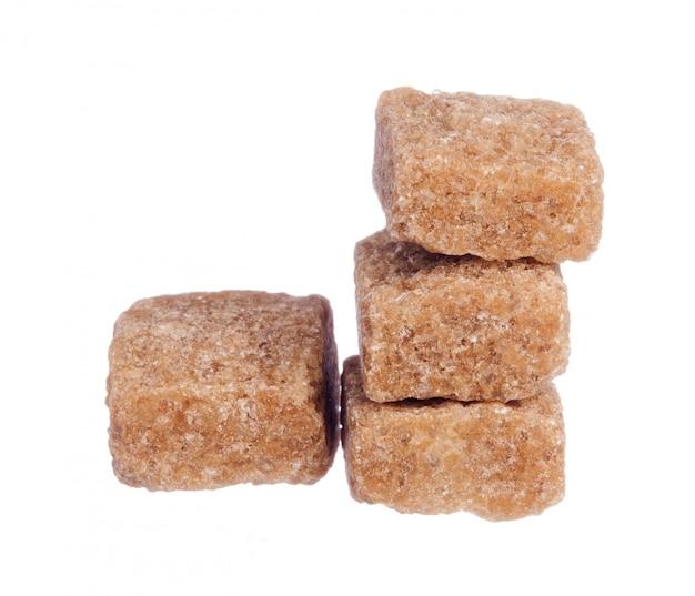 Würfel des braunen zuckers getrennt