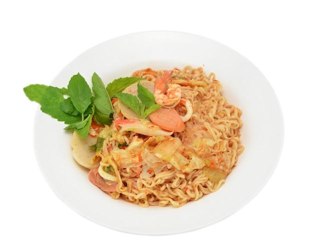 Würziger schweinefleischsalat, thailändisches artlebensmittel asien