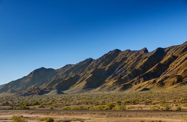 Wüste und berge