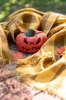 Wütender kürbis für halloween
