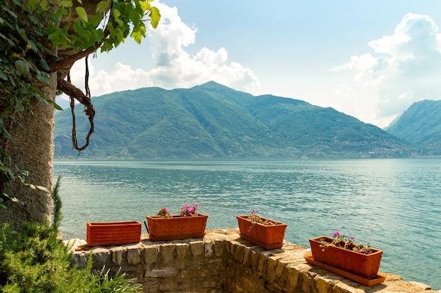 Wunderschöne italienische landschaft am comer see