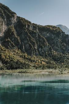 Wunderschöne seen und atemberaubende berge