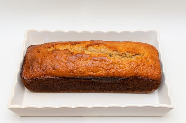 Wunderschöner und leckerer hausgemachter bananen-pfund-kuchen