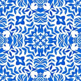 Wunderschönes nahtloses blaues blumenaquarellmuster orientalische fliesen stoffdesign. türkisches ornament mit blättern und blumen. keramik und geschirr im spanischen und portugiesischen stil, volksdruck.