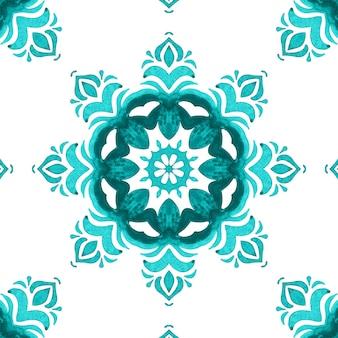 Wunderschönes nahtloses design des orientalischen fliesengewebes des blauen aquarellmusters. türkische verzierung.