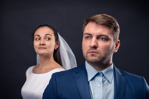 Wunderschönes studio-fotoshooting für jungvermählten