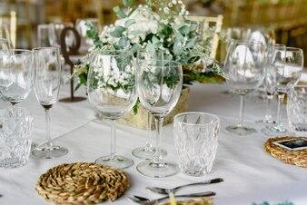 Wunderschöne Mittelstücke mit Vintage-Dekor für Hochzeiten.
