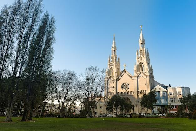 Wundervolle architektur der heiligen peter und paul church san francisco