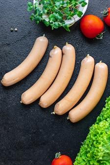 Wurst pflanzliches protein seitan fleischlos sojaweizen vegetarischer oder veganer snack auf dem tisch gesund