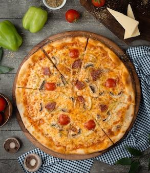 Wurstpizza