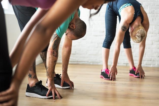 Yoga-übungs-übungs-klassen-konzept