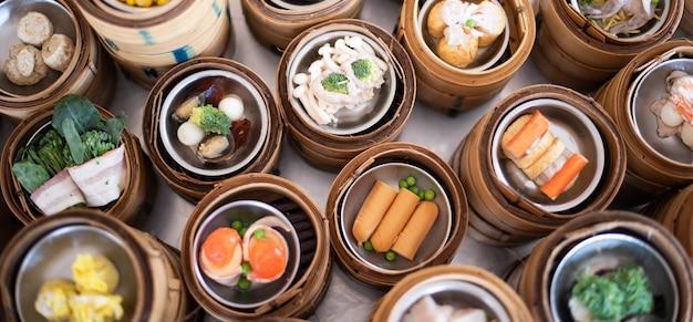 Yumcha, dim sum im bambusdampfer, chinesische küche