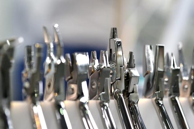Zahnärztliche instrumente aus metall