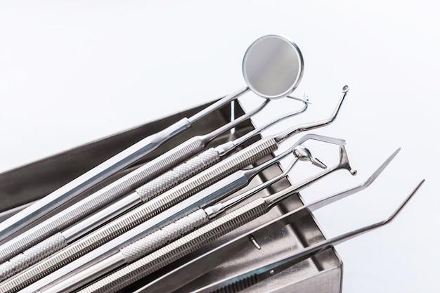 Zahnärztliche instrumente