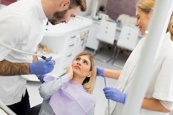 Zahnarztuntersuchung