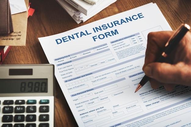 Zahnversicherungsformular zahnarztkonzept