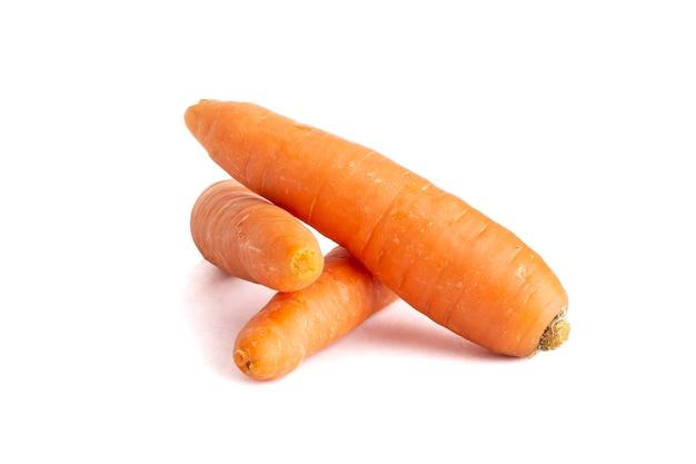 Zanahoria con fondo de color blanco