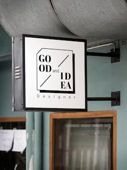 Zeichen auf einem modernen shop-modell