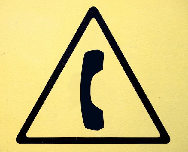 Zeichen des hochspannungssymbols der gefahr