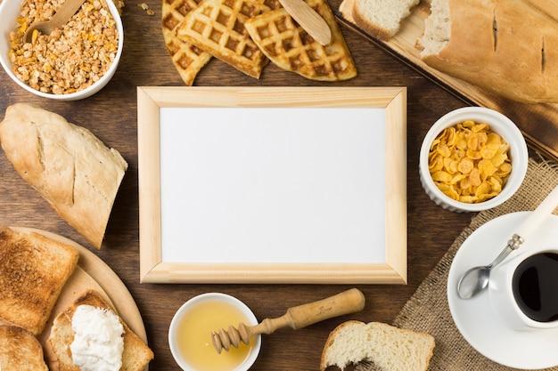 Zeichen umgeben von frühstück