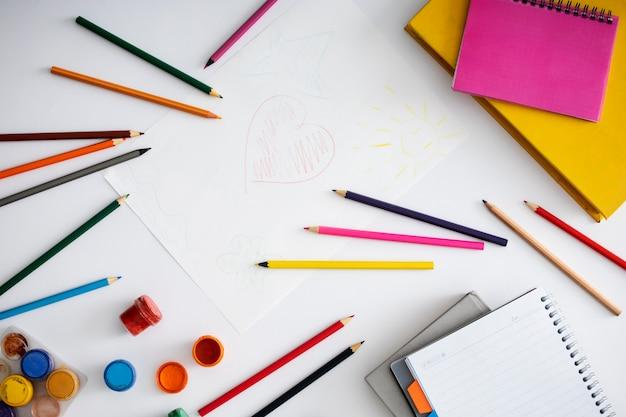 Zeichenelemente für kinderanordnung