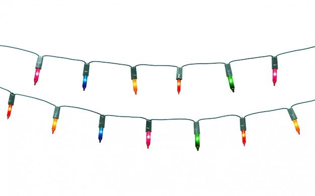Zeichenkette des weihnachtslichtrahmens lokalisiert auf weißem hintergrund mit beschneidungspfad