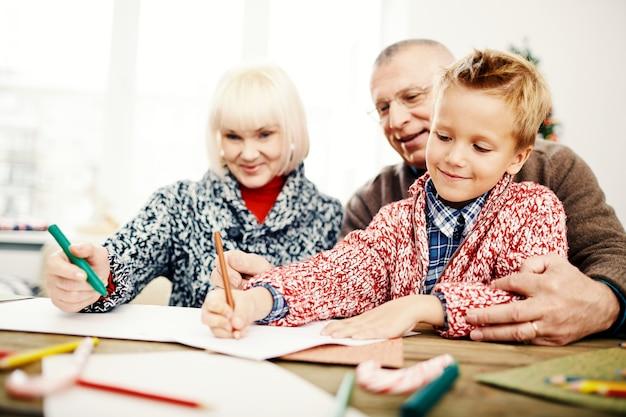Zeichnen mit großeltern