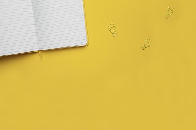 Zeichnungen mit notizbuch