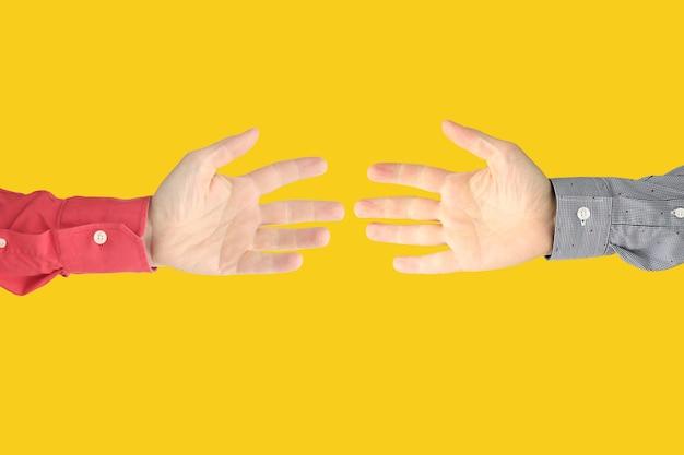 Zeigen der zeichen der finger, um gefühle auszudrücken. gebärdensprache hände