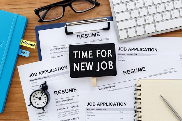 Zeit für neues jobzeichen mit jobeinstellung