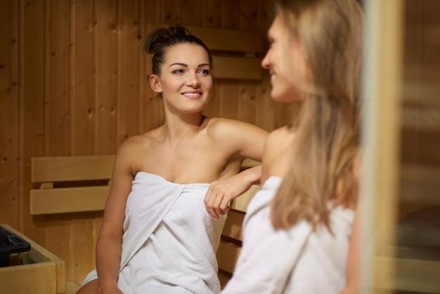 Zeit in der sauna mit meinem besten freund