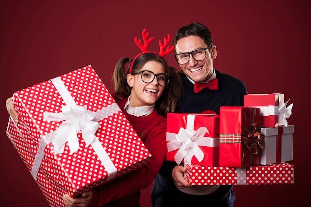 Zeit, weihnachtsgeschenke zu öffnen