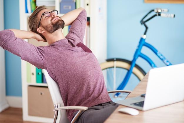 Zeit zum entspannen im büro